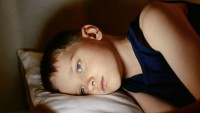 Anneler babalar dikkat! Çocuğunuz boş boş bakıyor, ağlamıyorsa. …
